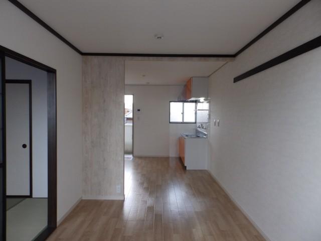 □ ■ □ ■ □ ■レンガ調の壁に木目の床♪ ■ □ ■ □ ■ □